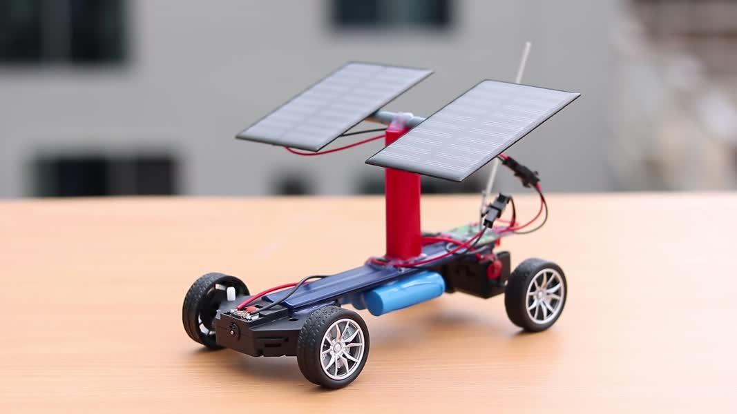 چگونه می توان ماشین خورشیدی کنترل از راه دور را ساخت؟